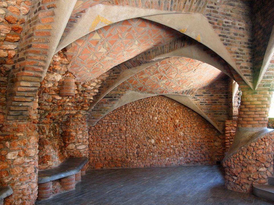 Kolonie Guell Gaudi Gewölbe