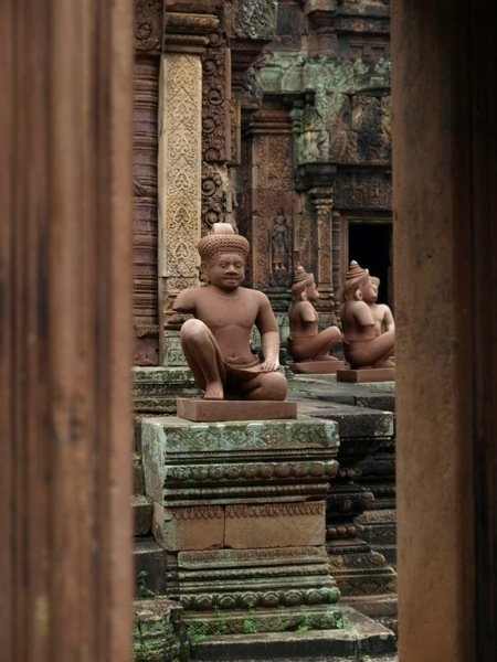 Angkor Statue