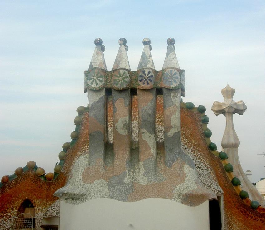 Casa Battlo Dach