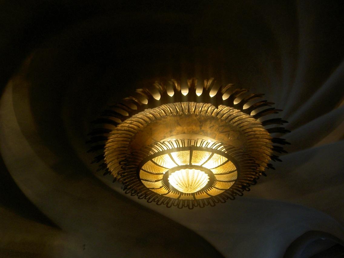 Casa Mila Lampe