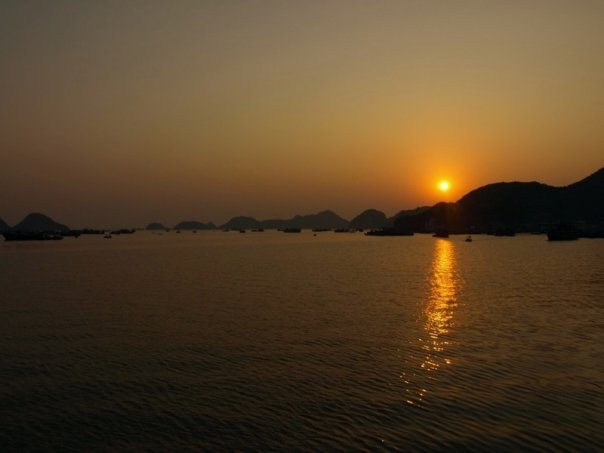 Halong Bay Sonnenuntergang