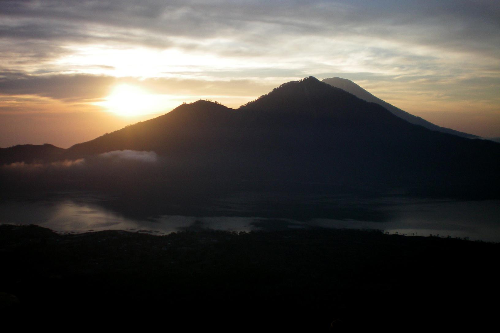 Vulkan Sonnenaufgang