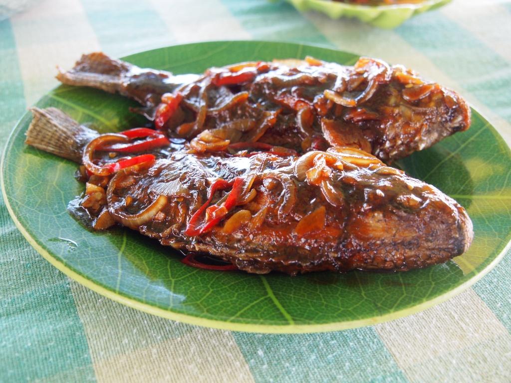 Fisch Mittagessen Borneo